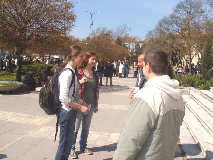 """Противоречиво начало на """"английските"""" разходки из Варна"""