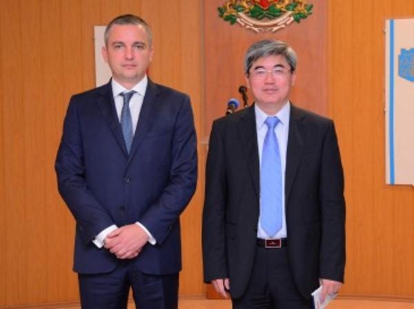 Кметът на Варна Иван Портних се срещна с китайския посланик