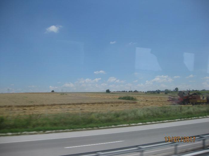 """АКЦЕНТЪТ върху """"развитие"""" на селското стопанство прави българите бедни и... гладни"""