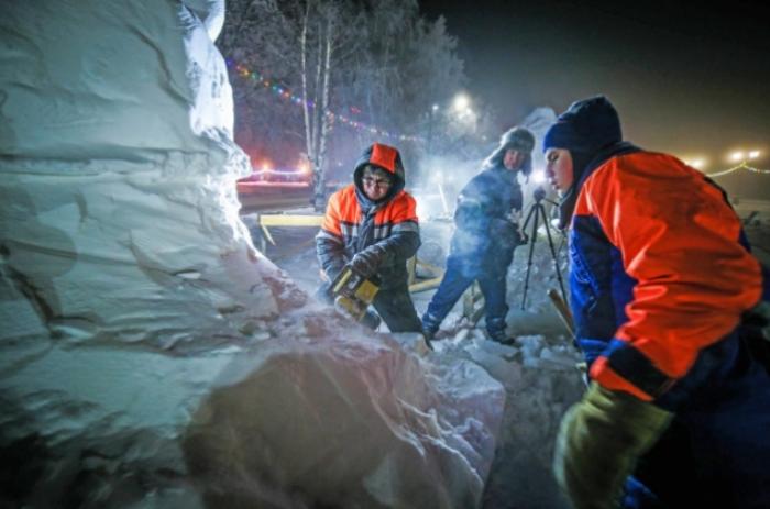 ФЕСТИВАЛ на ледените фигури в северния Петрозаводск