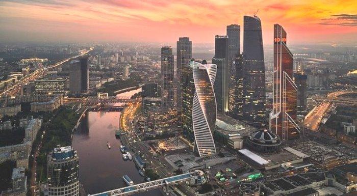 ФРЕНСКИТЕ медии: Русия е 3-та икономика в света! Мит е, че руската икономика е слаба!