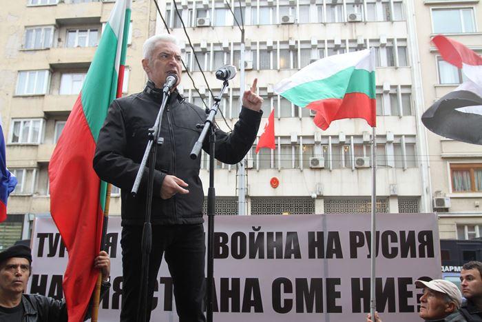 Волен Сидеров: Не трябва да гоним руски дипломати!