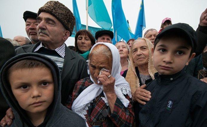 ТАТАРИТЕ от Херсон се връщат в руски Крим