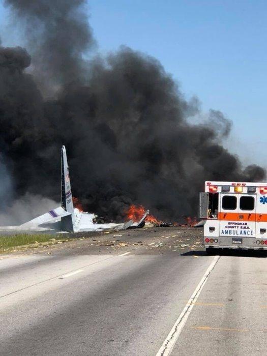 ВЪВ ФАЩ катастрофира военен самолет, жертви