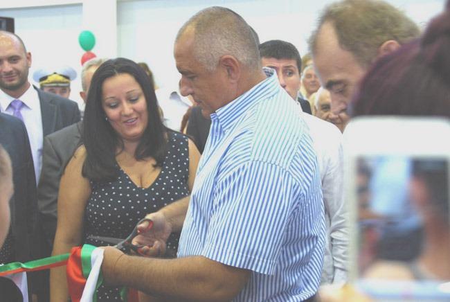 ДЕМОКРАЦИЯТА направи българина злобен и алчен