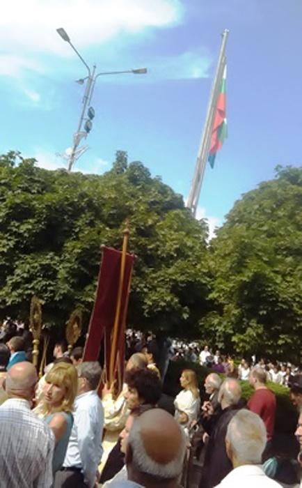 ЗА Празника на Варна заседна знамето на Варна