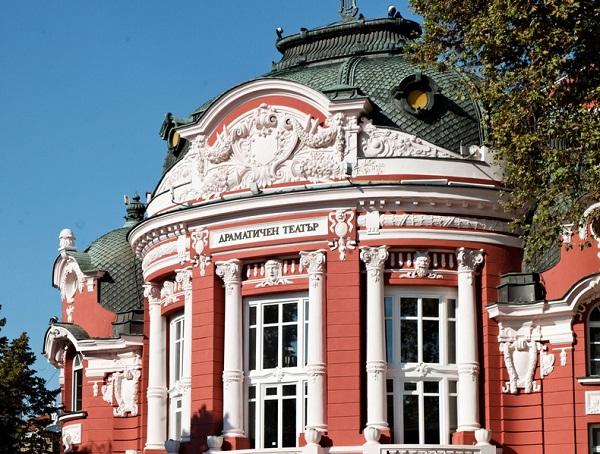 Ново театрално пространство ще отворят Варненският театър и Опера