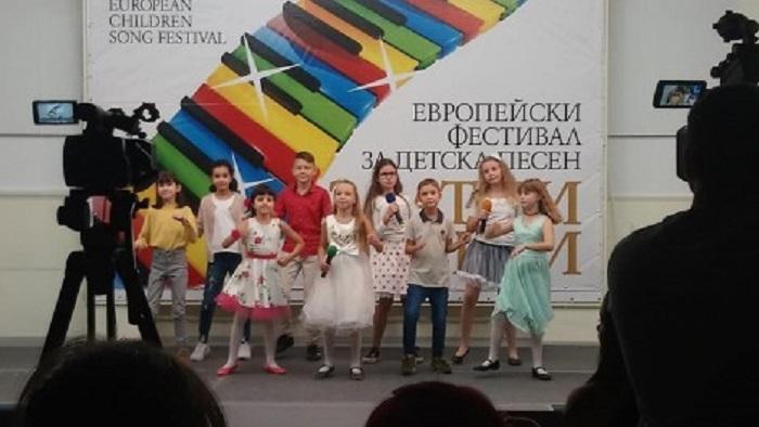 """ДЕТСКИ музикален фестивал """"Златни искри"""": Варна, 23, 24 октомври"""