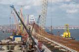ОТНОВО РУСКА ПОБЕДА: Кримският мост се свърза с материка