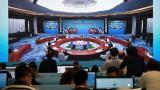 В ШАНХАЙ Изтокът матира западащия с Г7 Запад